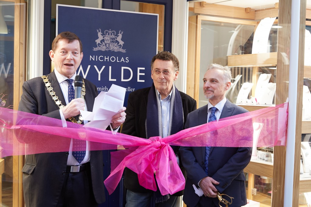 Jeweller Nicholas Wylde returns to original store in Bath – with a little help from his friends