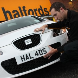 Halfords appoints Wincanton to run its national distribution network