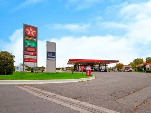 Royds Withy King real estate lawyers get service station sale on the road