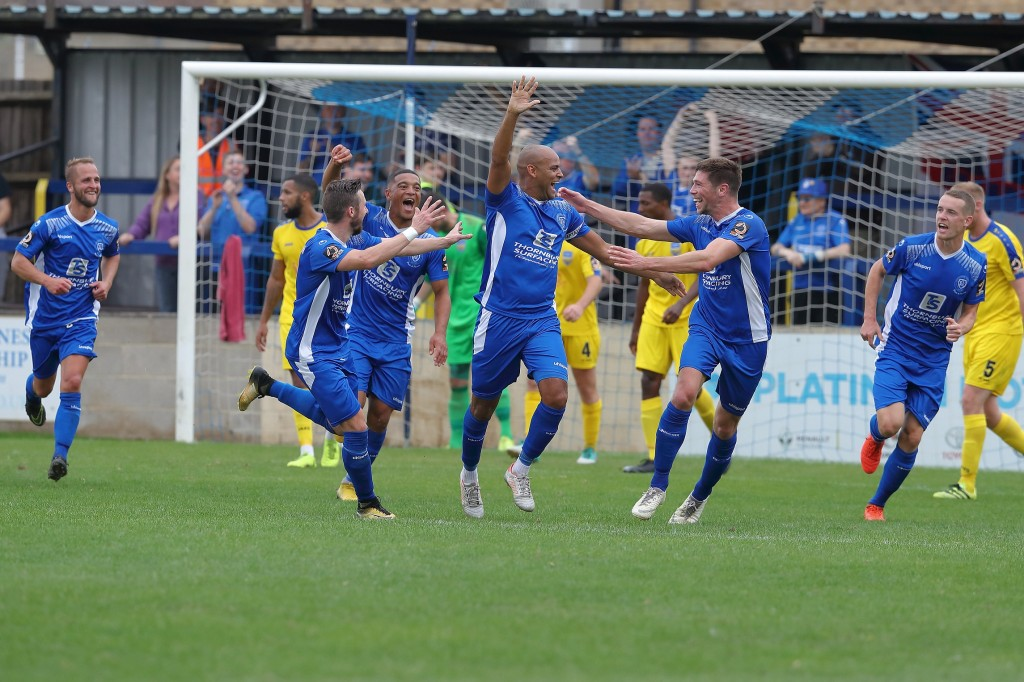 Come on you greens! Good Energy teams up with Chippenham Town FC for sustainable power result