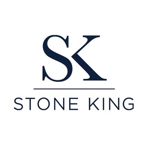 Bath businesses urged to join in Stone King's rubbish round-up